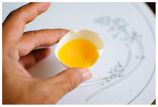 alisar os cabelos com leite e ovos