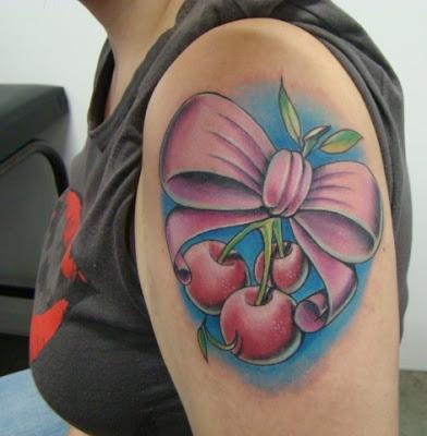 tatuagem de laço no braço