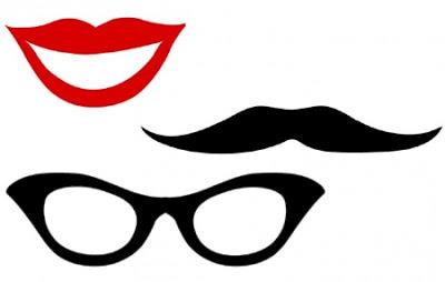 molde de boca e óculos