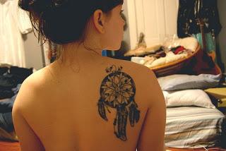tatuagem de filtro dos sonhos na costa