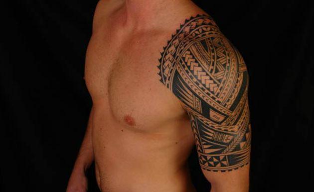 Tatuagem Maori no Braço