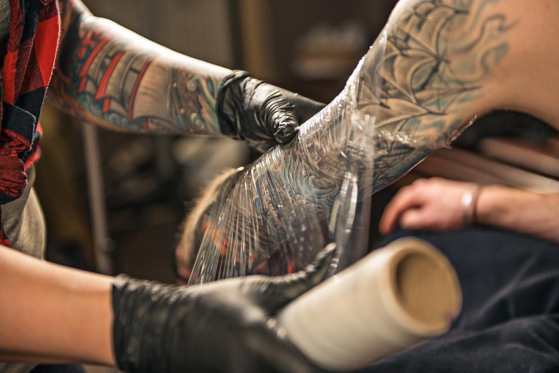 O que não pode comer quando faz tatuagem