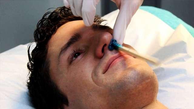 Como tirar pelos do nariz